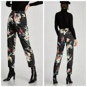 SOLD❌ZARA High Rise Pants SzM Black Floral Birds